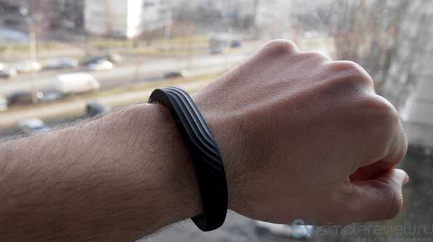 Jawbone UP24 на руке